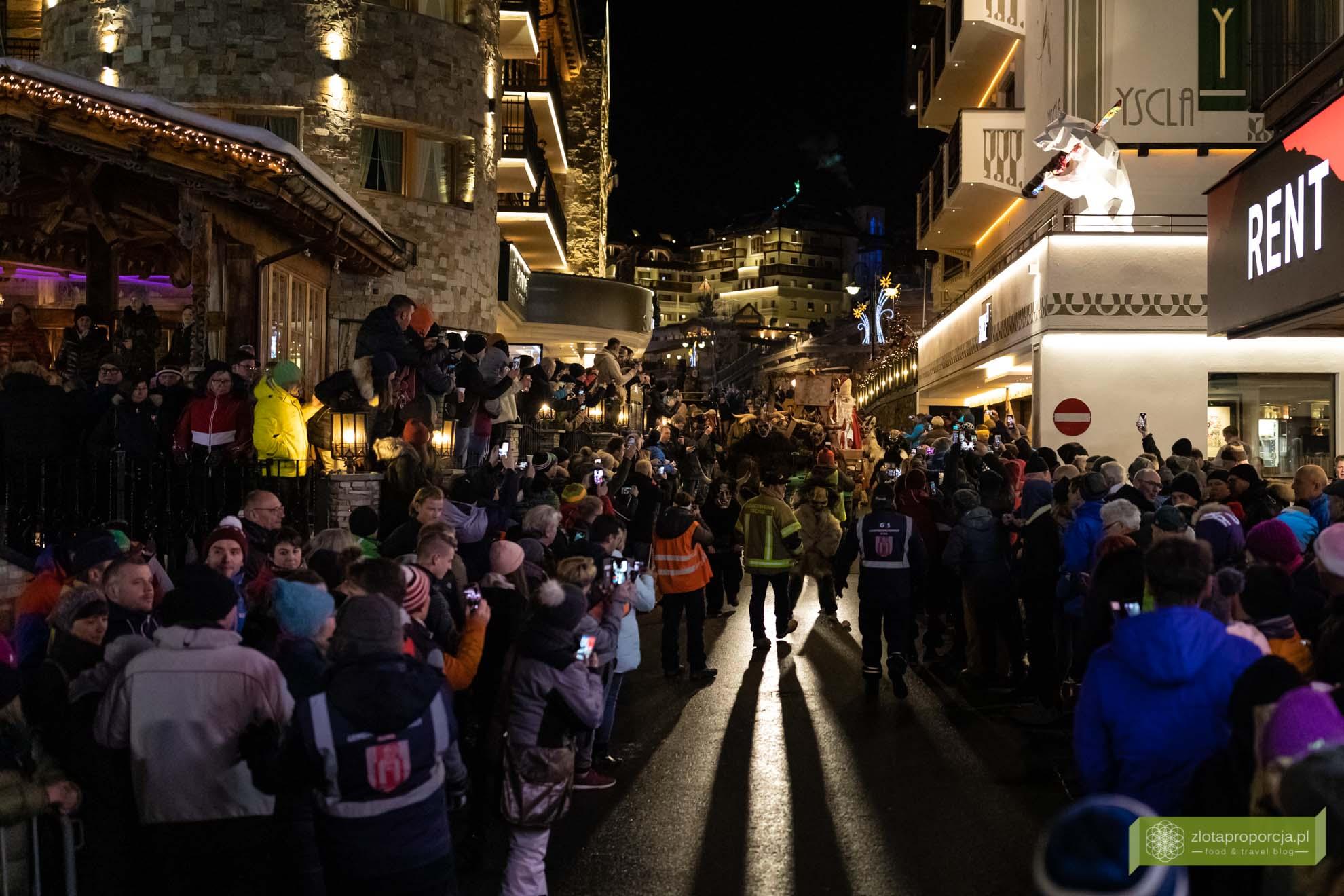 Austria; Ischgl; Ischgl Krampus Run; Krampus; Krampusnacht; Noc Krampusa; świąteczne tradycje w Austrii; Tyrol;