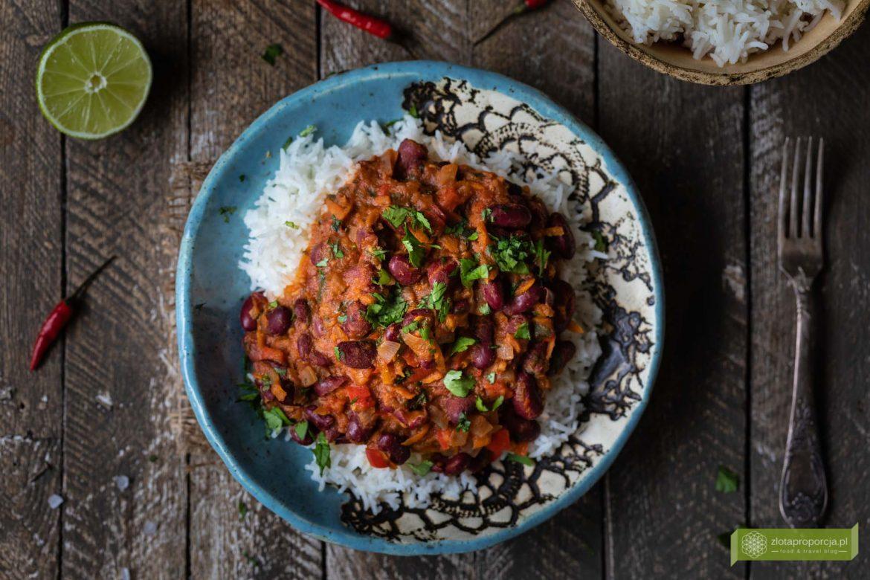 chili sin carne; kuchnia meksykańska, potrawy meksykańskie; chili bez mięsa; chili sin carne z czerwona fasolą;