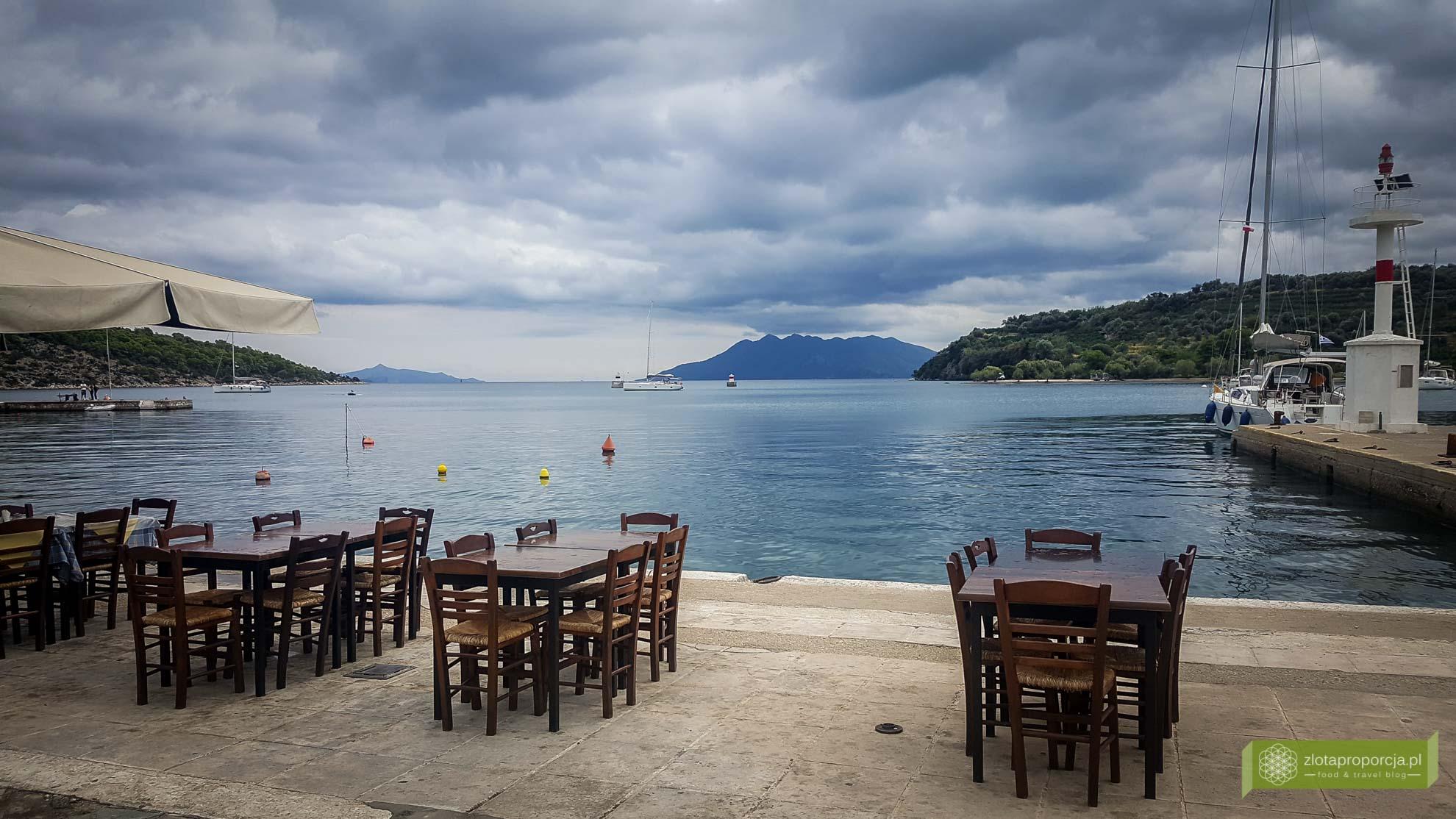 Port w Epidauros; atrakcje Peloponezu; Zatoka Sarońska; Epidauros; Peloponez; atrakcje Grecji; okolice Aten;