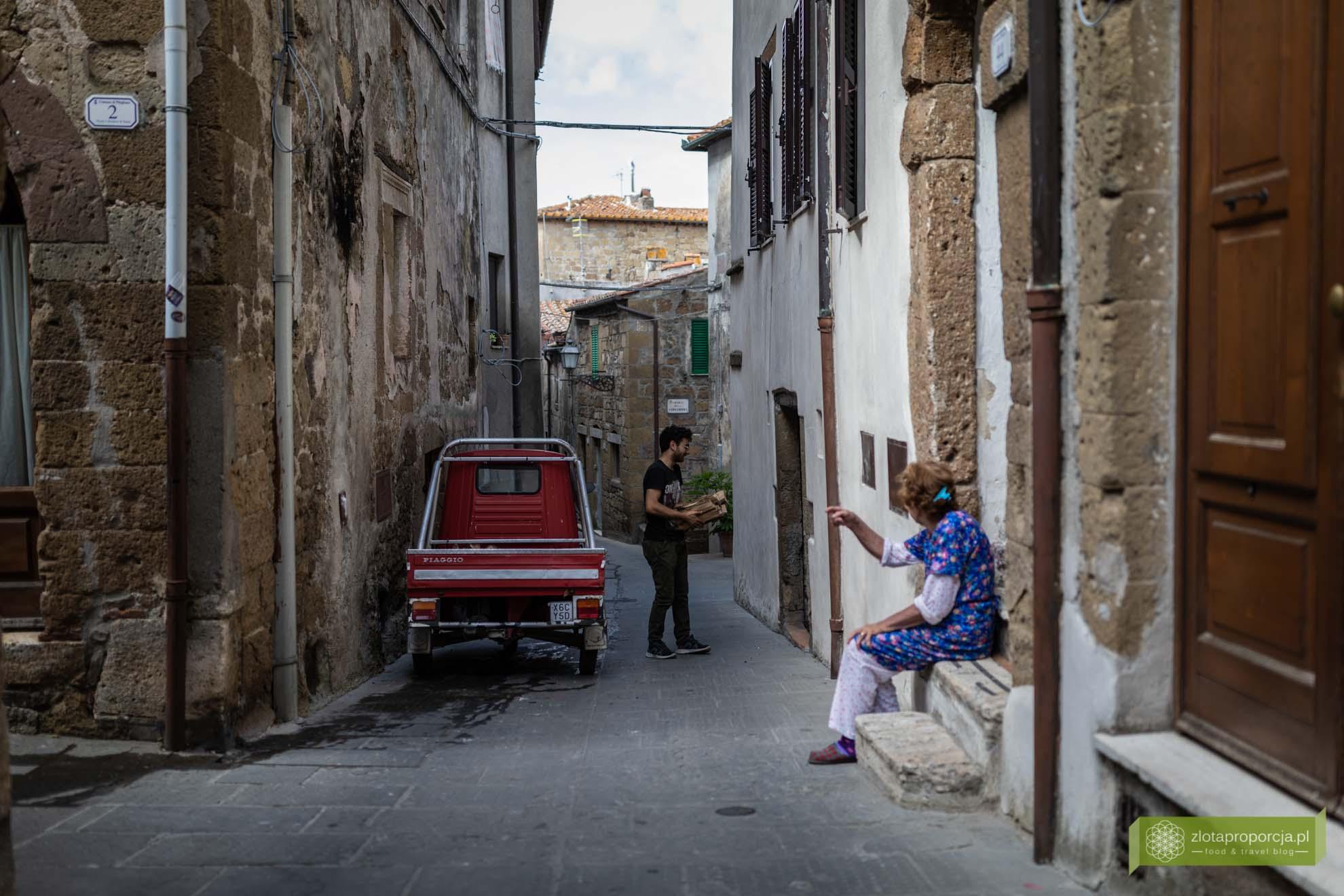 Pitigliano; Toskania; miasto na tufie; miasto na tufie w Toskanii; Pitigliano zwiedzanie; Pitigliano Toskania; Toskania atrakcje; południowa Toskania; centro storico Pitigliano; starówka Pitigliano;