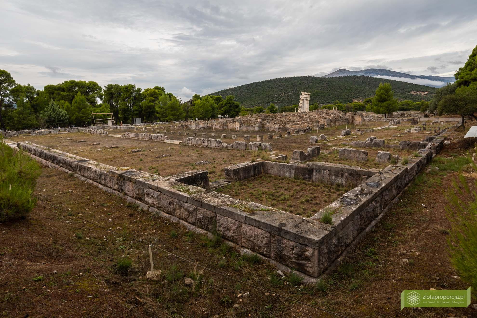 Strefa archeologiczna w Epidauros; Epidauros; Peloponez; atrakcje Peloponezu; Zatoka Sarońska; atrakcje Grecji; okolice Aten;