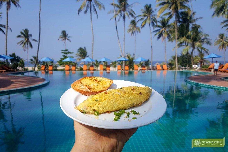 kuchnia Birmy; potrawy Birmy; Birma; zawijany omlet; omlet z serem; Kuchnia birmańska; jedzenie w Birmie;