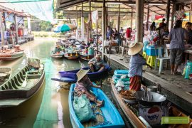Bangkok; atrakcje Bangkoku; bangkok pływający targ; Bangkok floating market; kanały Bangkoku; Wat Saphan; Wat Saphan floating market;