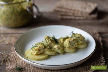 Senapssill; śledź w sosie musztardowym z koperkiem po szwedzku; śledź w sosie musztardowym; śledź w sosie musztardowo-koperkowym; kuchnia szwedzka; śledź po szwedzku;