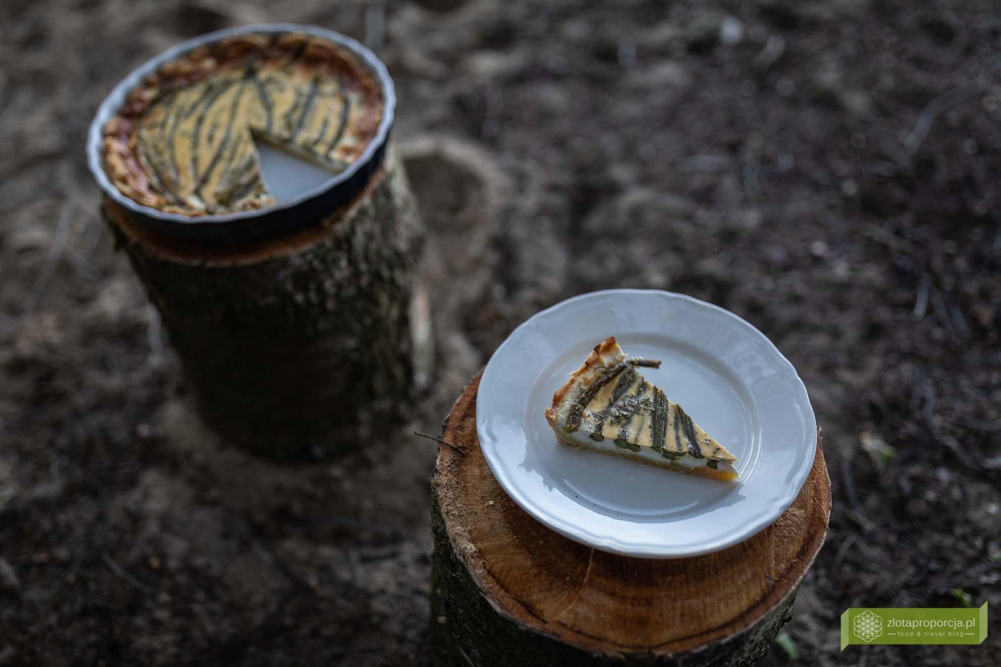Tarta ze szparagami, ricottą i świeżym tymiankiem; tarta ze szparagami i ricottą; tarta z grillowanymi szparagami; szparagi przepisy; tarta z ricottą; tarta ze szparagami przepis;
