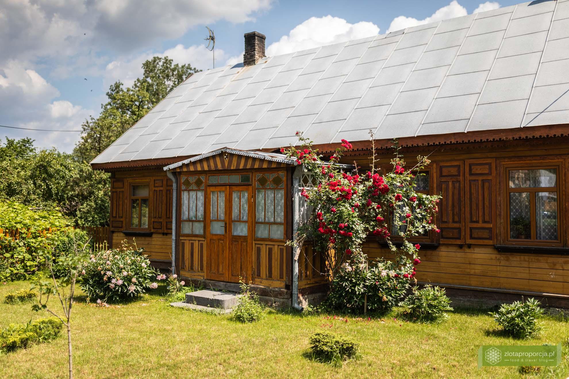 Podlasie; Podlasie rowerem; szlak drewnianych cerkwi Podlasie; okolice Hajnówki; Nowoberezowo; chata Podlasie; chata podlaska; najpiękniejsze cerkwie na Podlasiu;