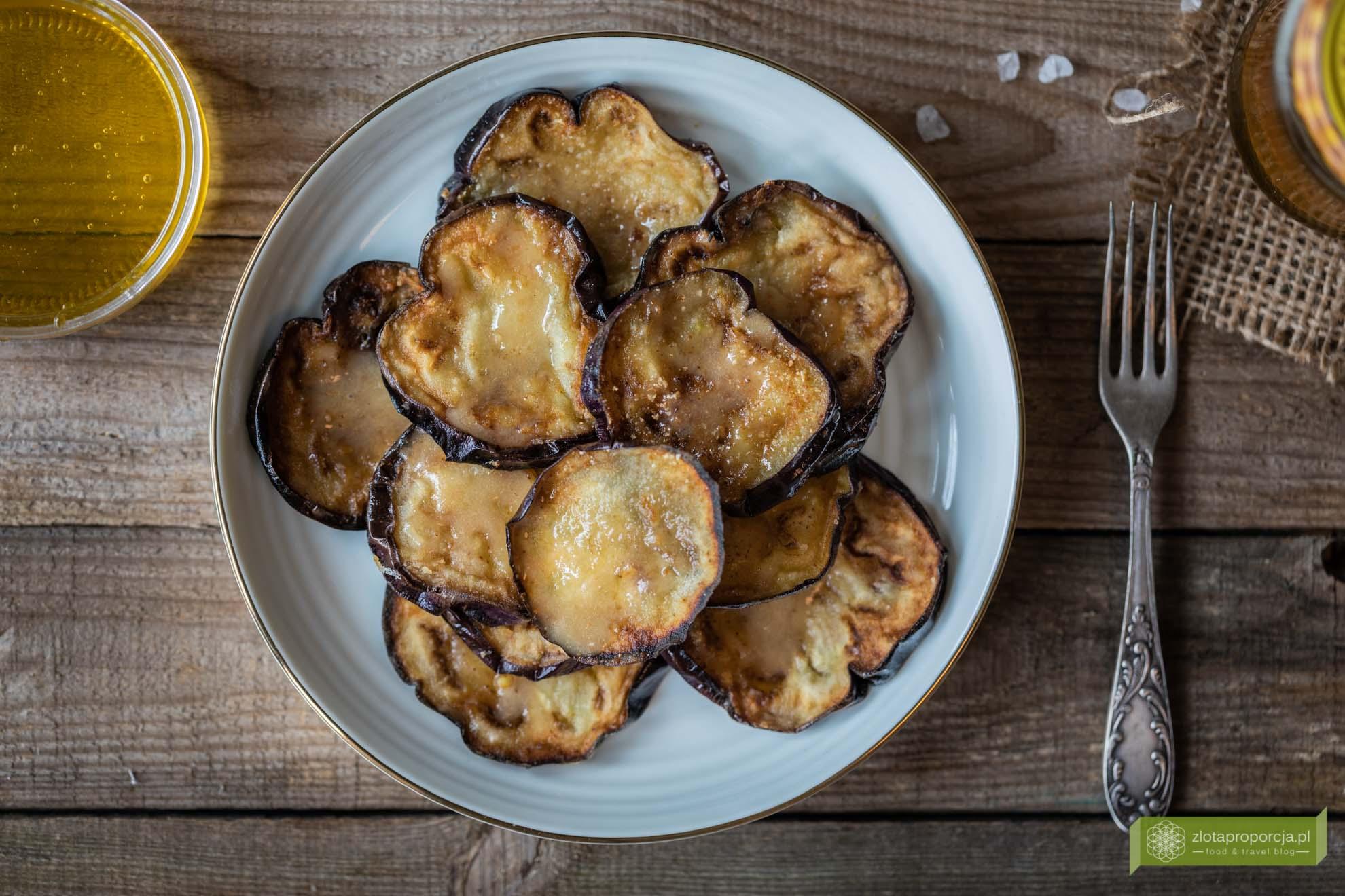 Smażone bakłażany z miodem; berenjenas fritas con miel; kuchnia hiszpańska; kuchnia Andaluzji; tapas; przepis smażone bakłażany;