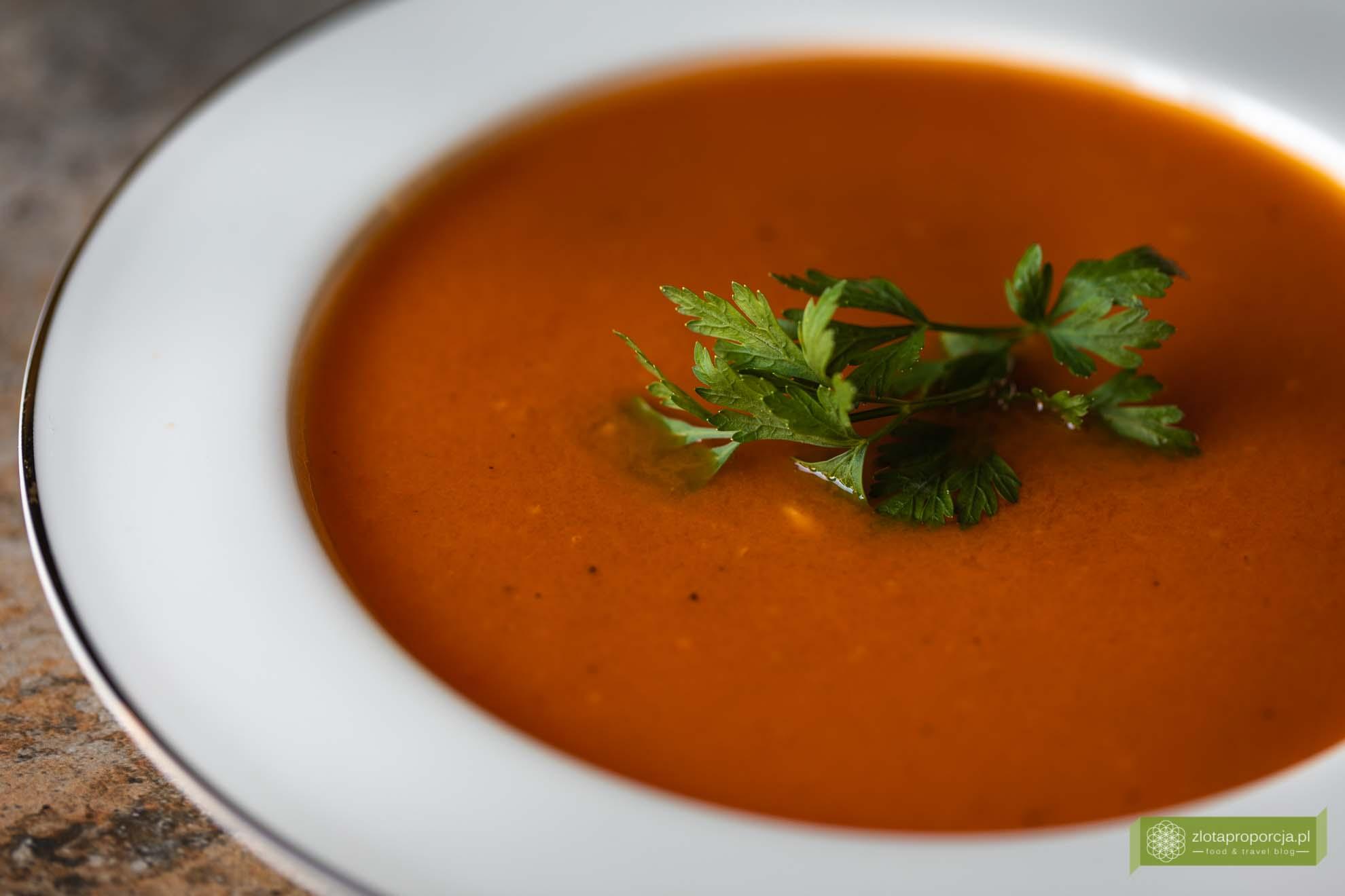 zupa pomidorowa ze świeżych pomidorów; zupa pomidorowa; przepis; zupa krem ze świeżych pomidorów;
