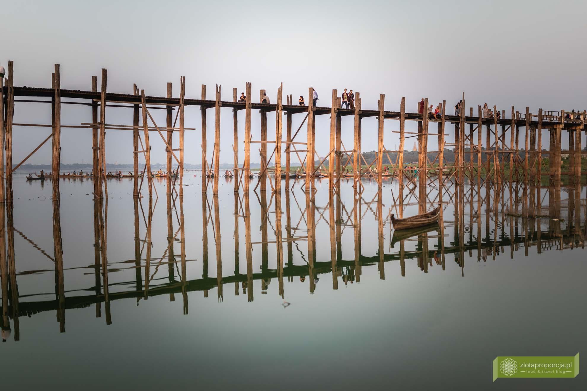 Birma; Mjanma; Myanmar; atrakcje Birmy; Birma podróże; Amarapura; okolice Mandalay; most tekowy Amarapura;