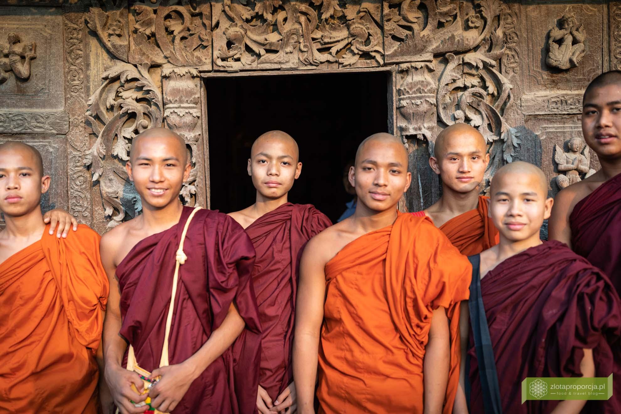 Birma; Mjanma; Myanmar; atrakcje Birmy; Birma podróże; Mandalay; mnisi Birma; Birma buddyzm;