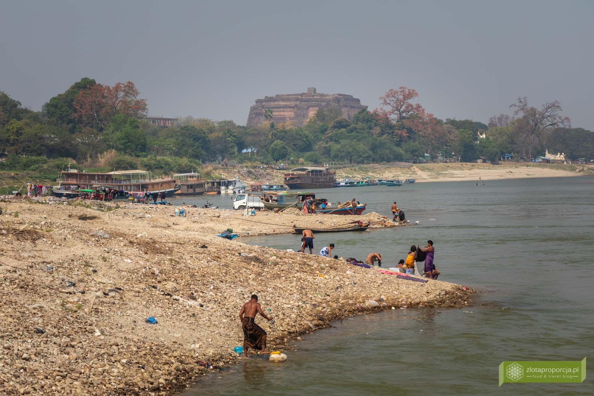 Birma; Mjanma; Myanmar; atrakcje Birmy; Birma podróże; Irawadi; rzeka Irawadi;