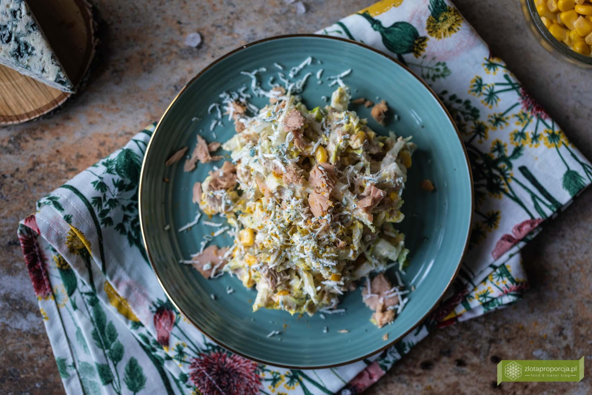 sałatka z kapustą pekińską; sałatka z serem rokpol; sałatka z tuńczykiem; sałatka z tuńczykiem i curry; sałatka z tuńczykiem i kapustą pekińską;