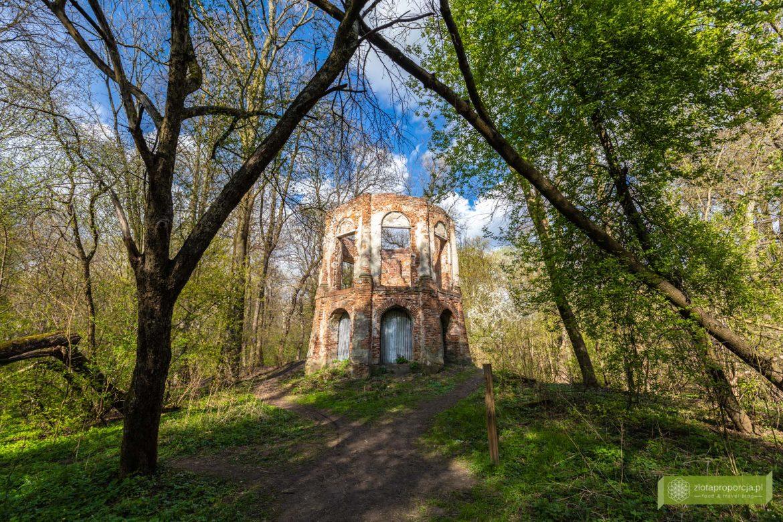 Morysin; Rezerwat Przyrody Morysin; Wilanów; atrakcje Wilanowa; Warszawa; rotunda Morysin; ruiny Pałacyku Potockich Morysin;