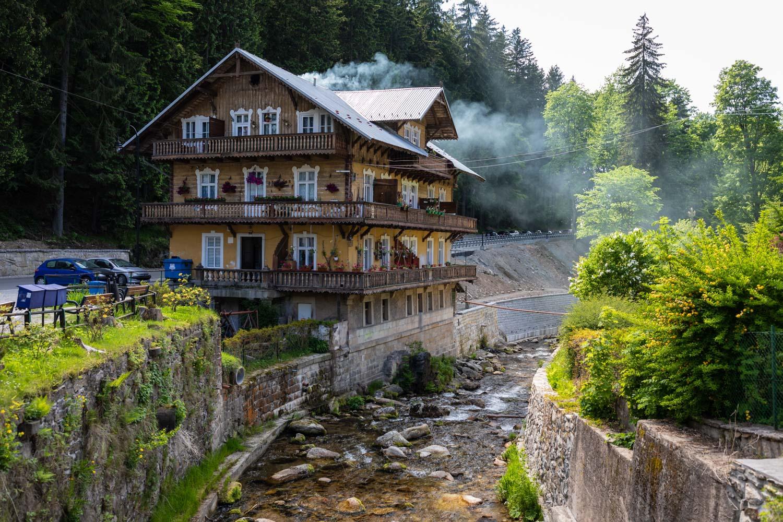 Międzygórze atrakcje; Kotlina Kłodzka; Medzygórze; wille w stylu tyrolskim; Międzygórze wille; Międzygórze architektura;
