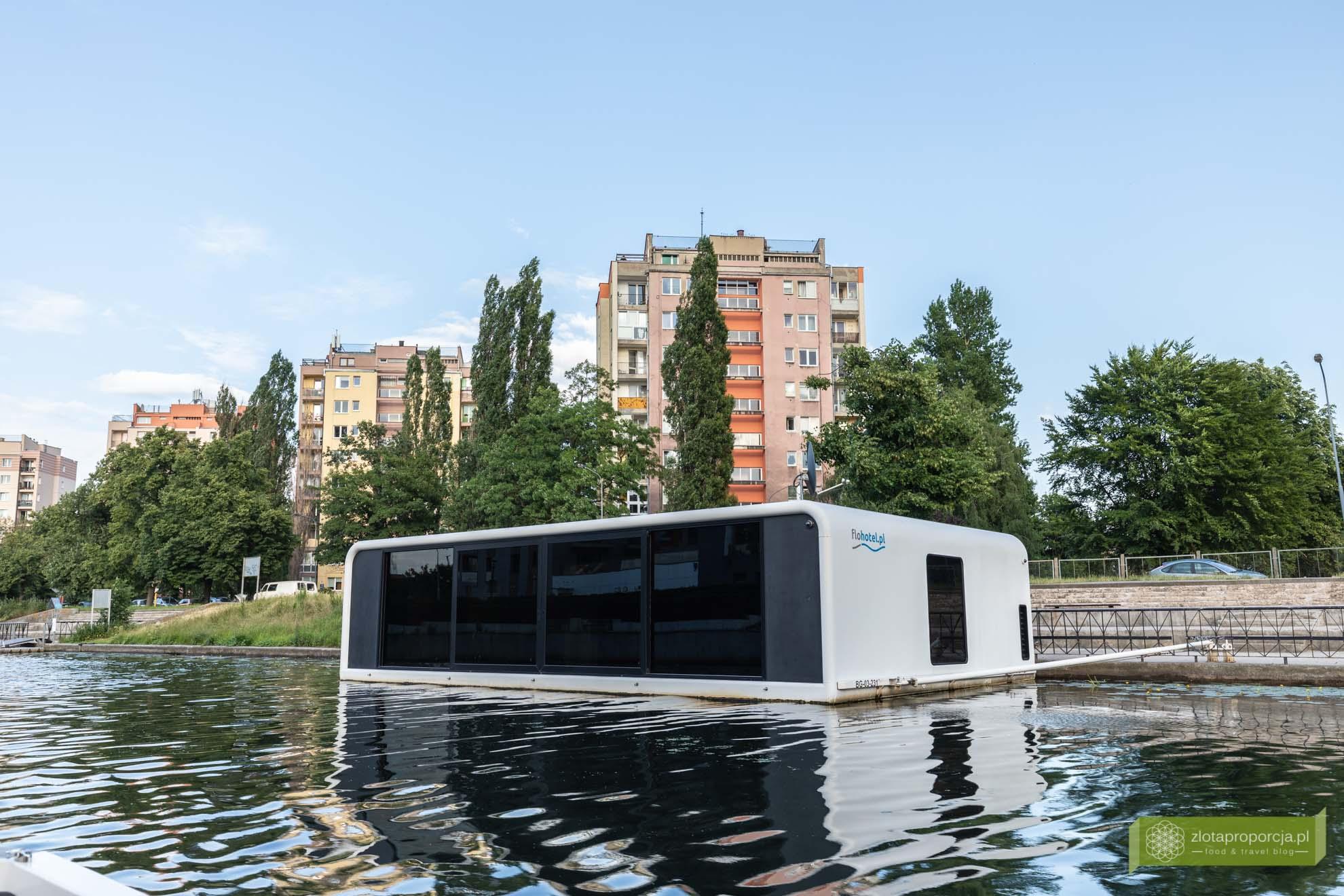hotel na wodzie Gdańsk; Flohotel