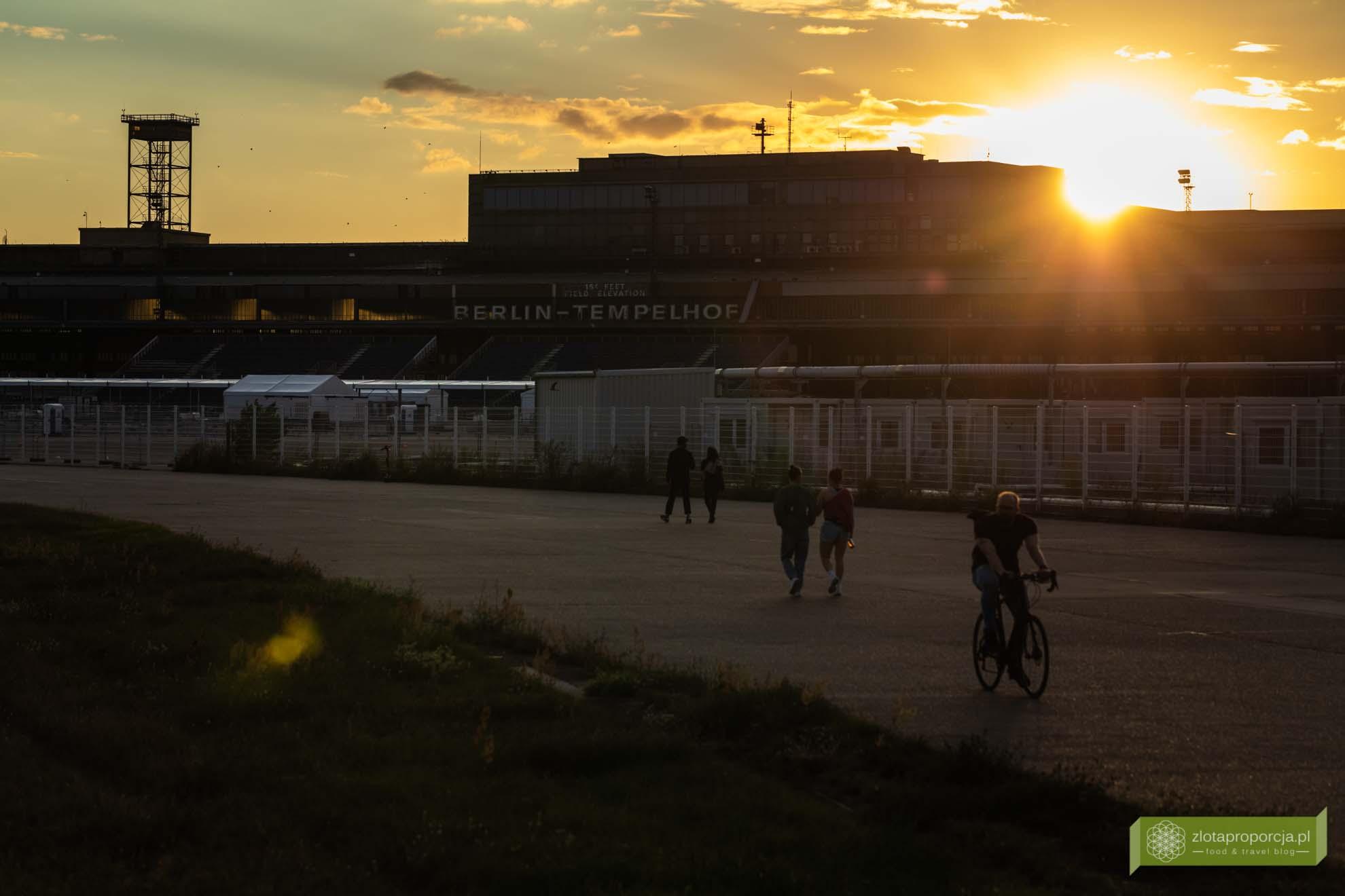 Berlin; Tempelhof-Schöneberg; nietypowe atrakcje Berlina; Tempelhofer Feld; lotnisko Tempelhof; Tempelhof Flughafen;